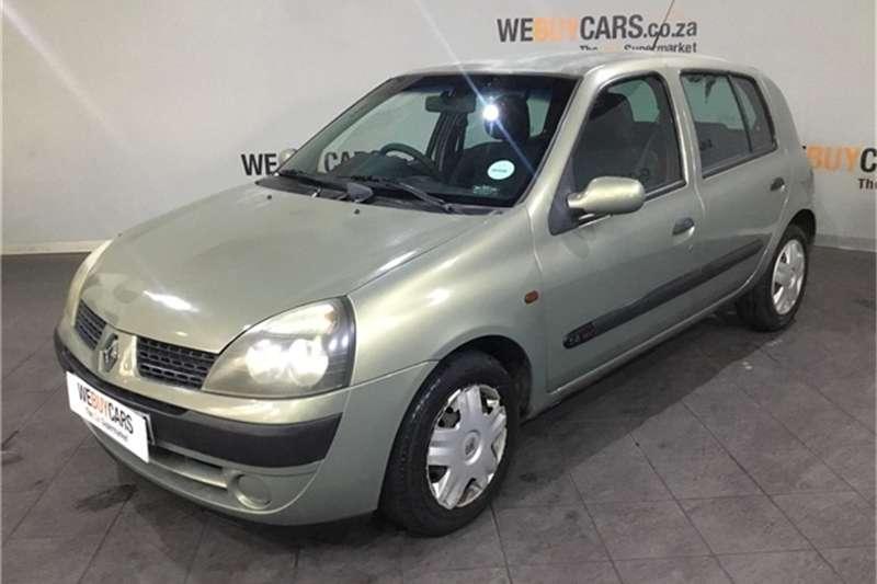 2002 Renault Clio