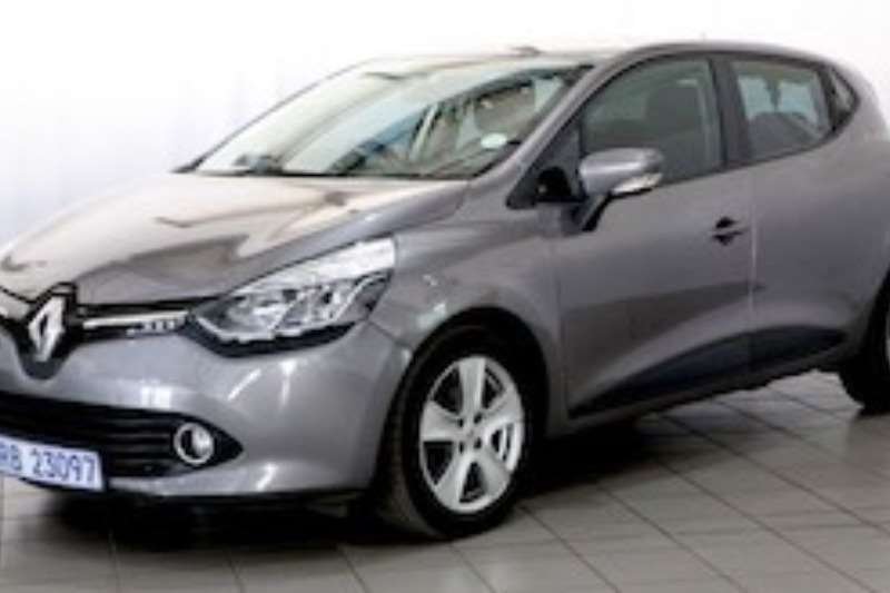 Renault Clio IV 900 T EXPRESSION 5DR 66KW 2015