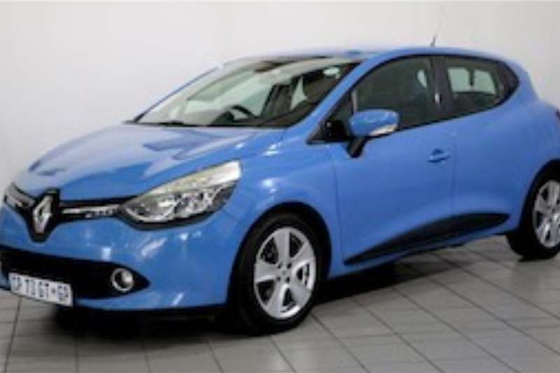 Renault Clio IV 900T EXPRESSION 5DR 2013
