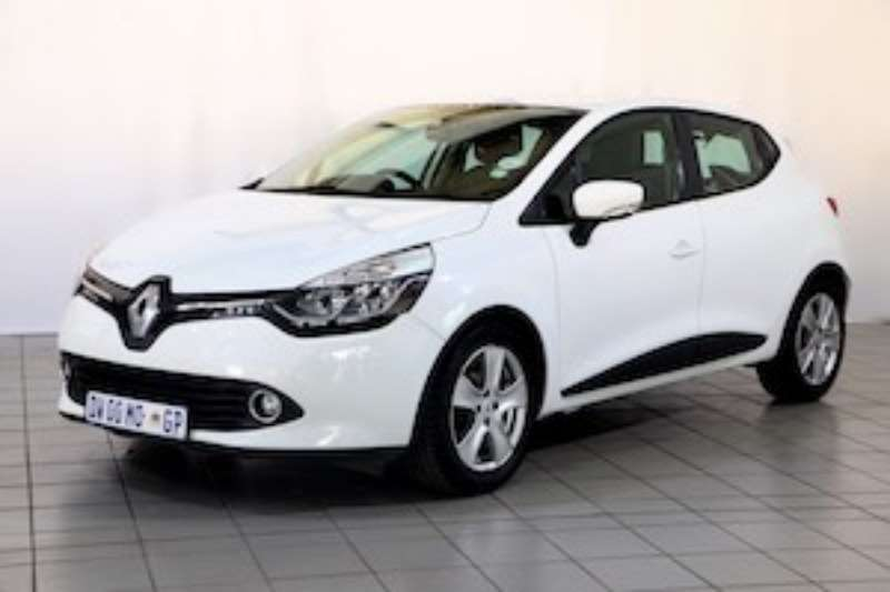 Renault Clio IV 900T EXPRESSION 5DR 2015