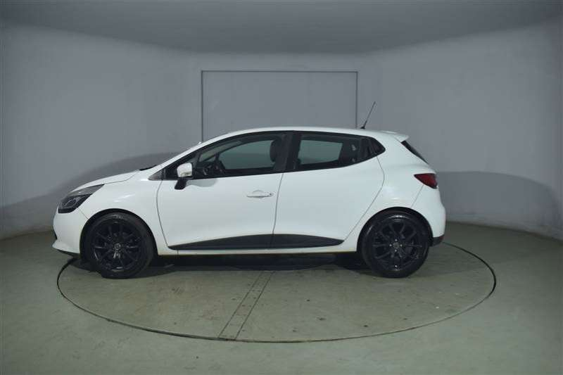 Renault Clio IV 900T EXPRESSION 5DR 66KW 2015