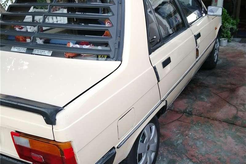Renault Laguna 1987