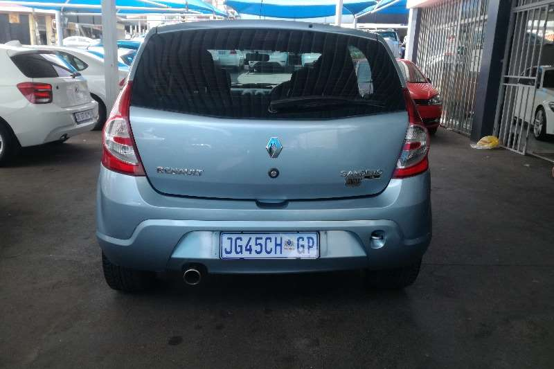 Renault Sandero 1.6 2011