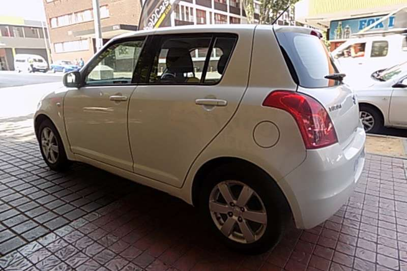 Suzuki Swift 1.5 GL 2010