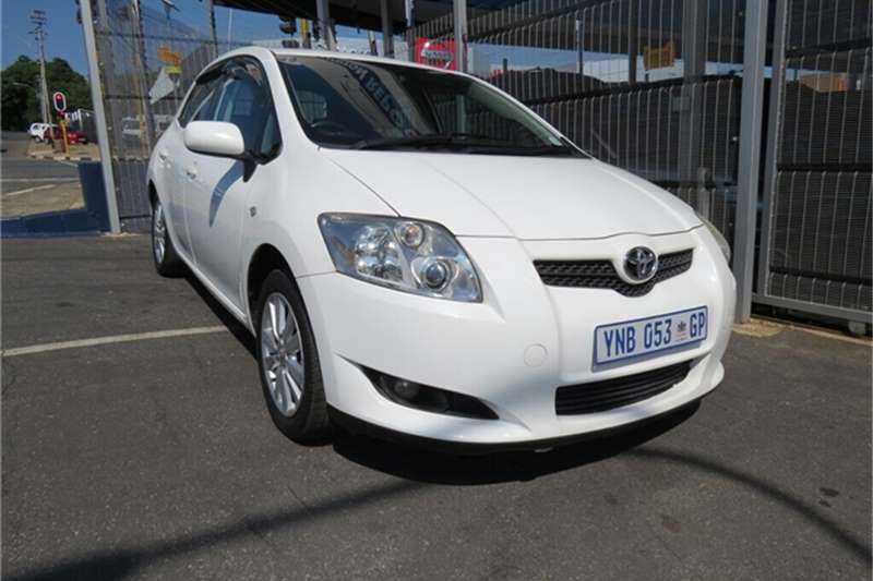 Toyota Auris 1.6 RS M MT 2009