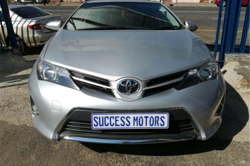 Toyota Auris 1.6 RT 2013