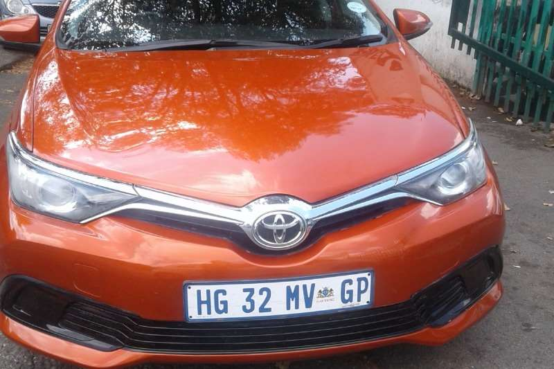 Toyota Auris 1.6 RT 2015