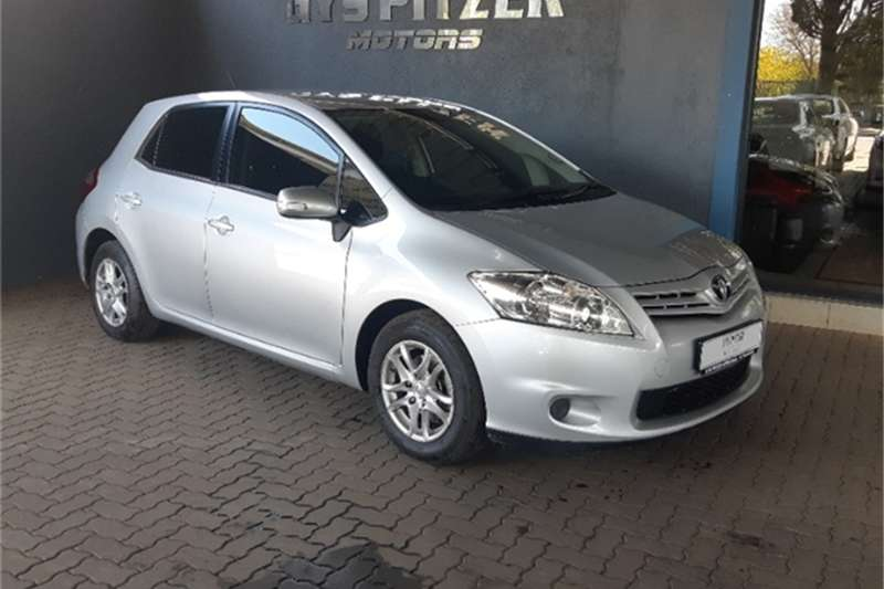 Toyota Auris 1.6 XI 2011