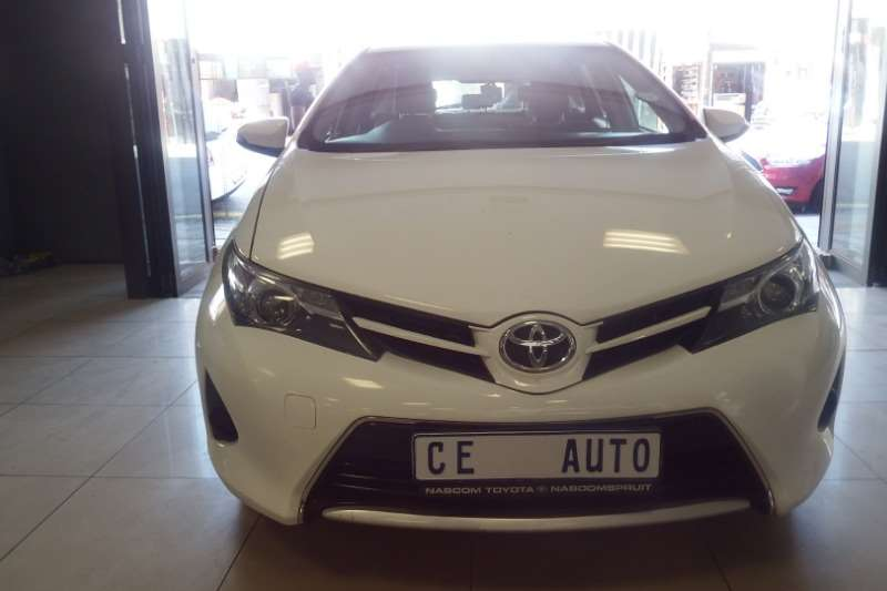 Toyota Auris 1.6 XI 2014