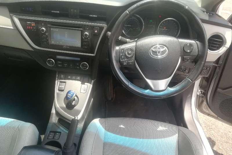Toyota Auris Hybrid XR 2015