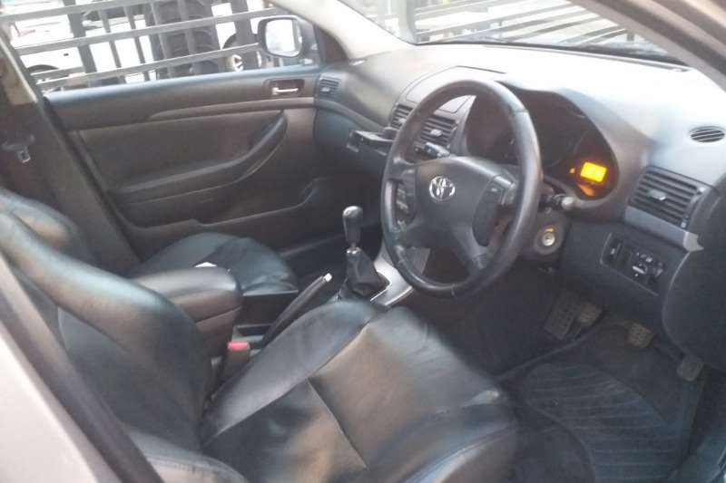 Toyota Avensis 2.0 Advanced 2006