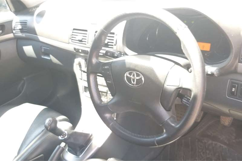 Toyota Avensis 2.2D-4D Exclusive 2006