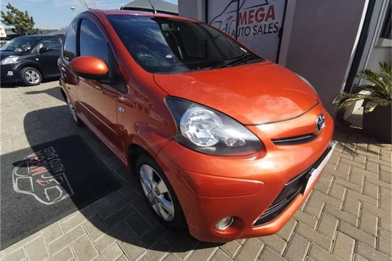 Toyota Aygo 5 door 1.0 Inferno 2012