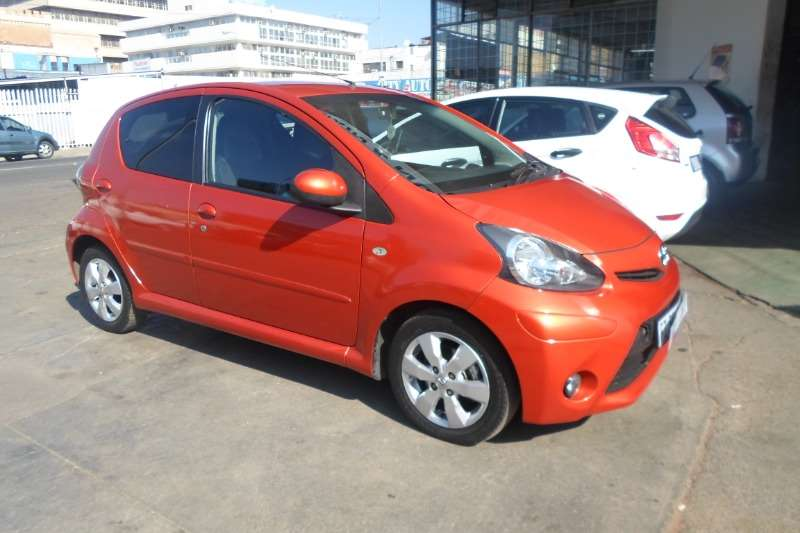 Toyota Aygo Hatch AYGO 1.0  X  PLAY (5DR) 2014