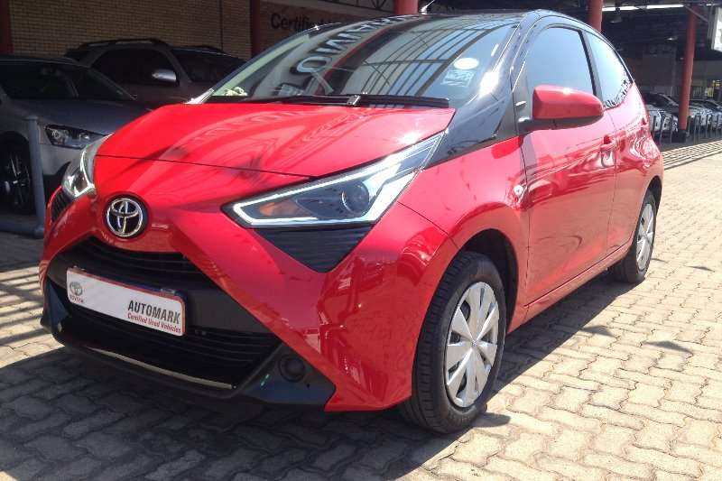 Toyota Aygo Hatch AYGO 1.0  X  PLAY (5DR) 2018