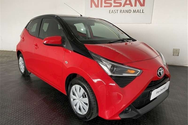 Toyota Aygo Hatch AYGO 1.0  X  PLAY (5DR) 2019