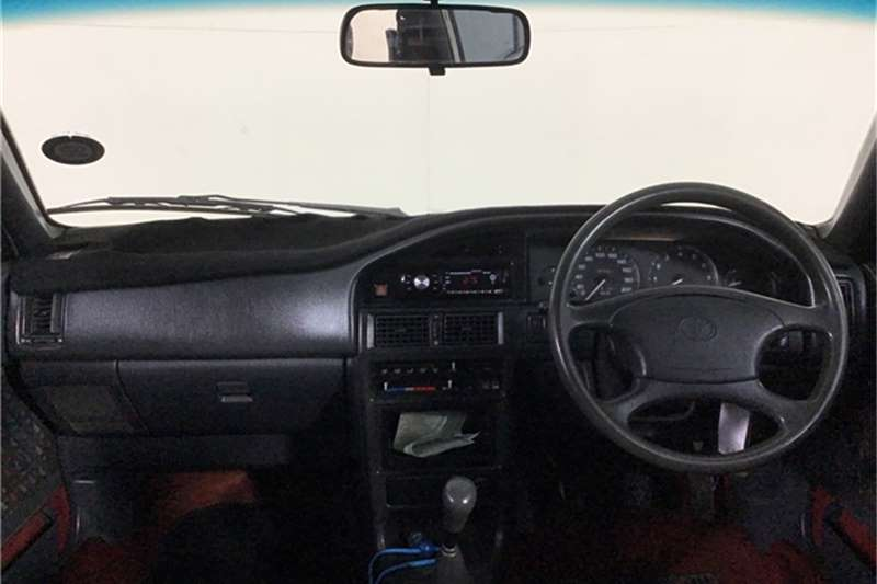 2000 Toyota Conquest
