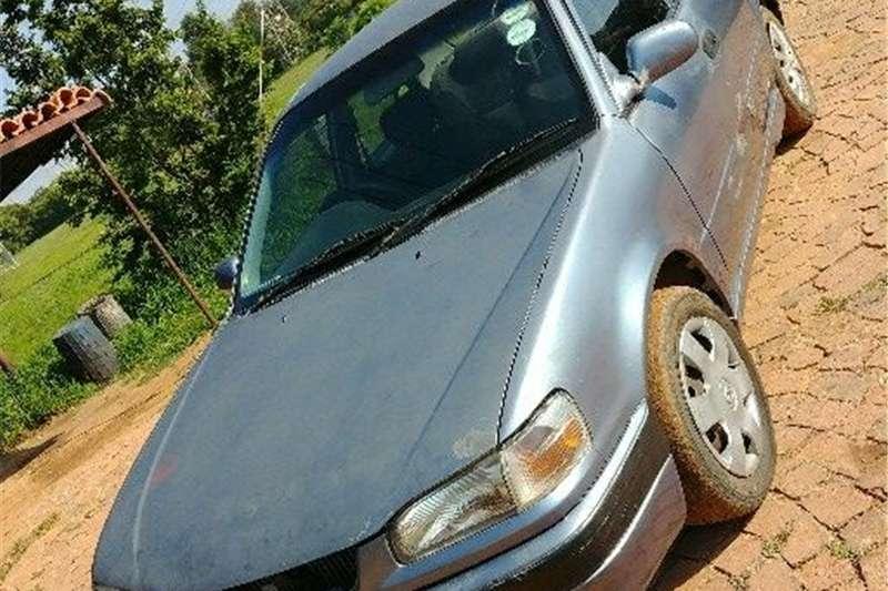 Toyota Corolla 1.3 Impact 1998