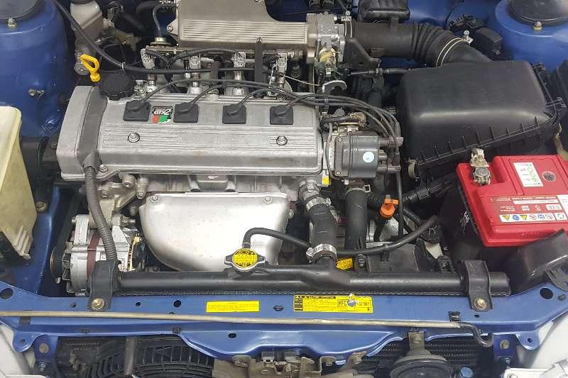 Toyota Corolla 160i GLE 2000