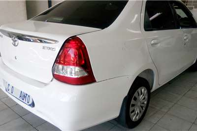 Toyota Etios 1.5 2016