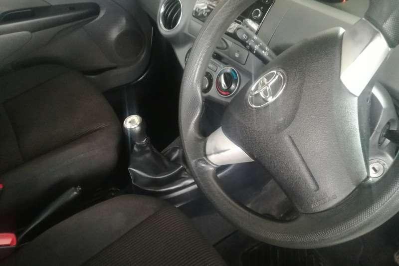 Toyota Etios 1.5 Hatchback 2016