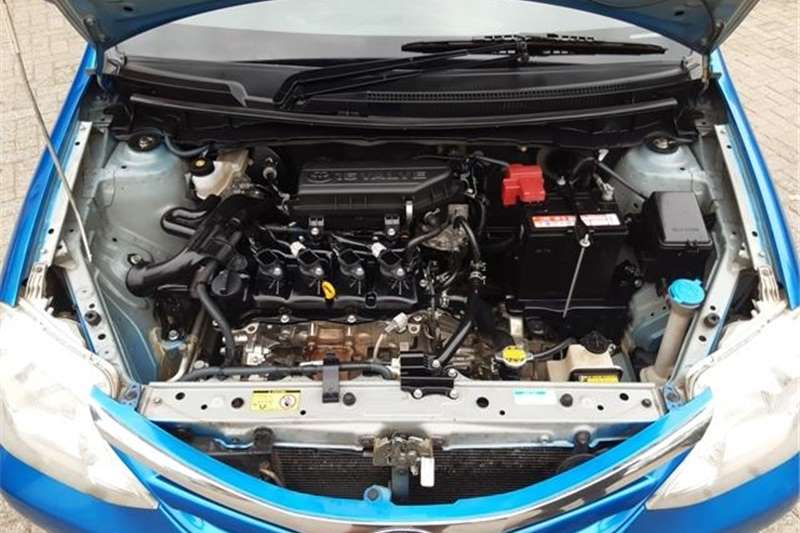 Toyota Etios 1.5 XS 2013