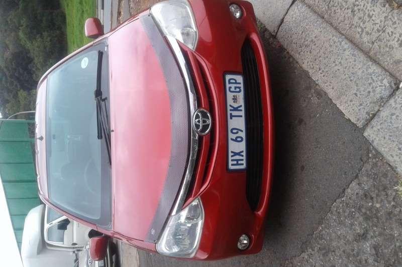 Toyota Etios hatch 1.5 2013