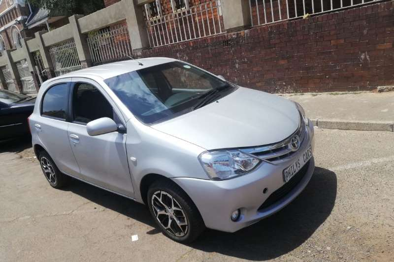 Toyota Etios hatch 1.5 Sprint 2012