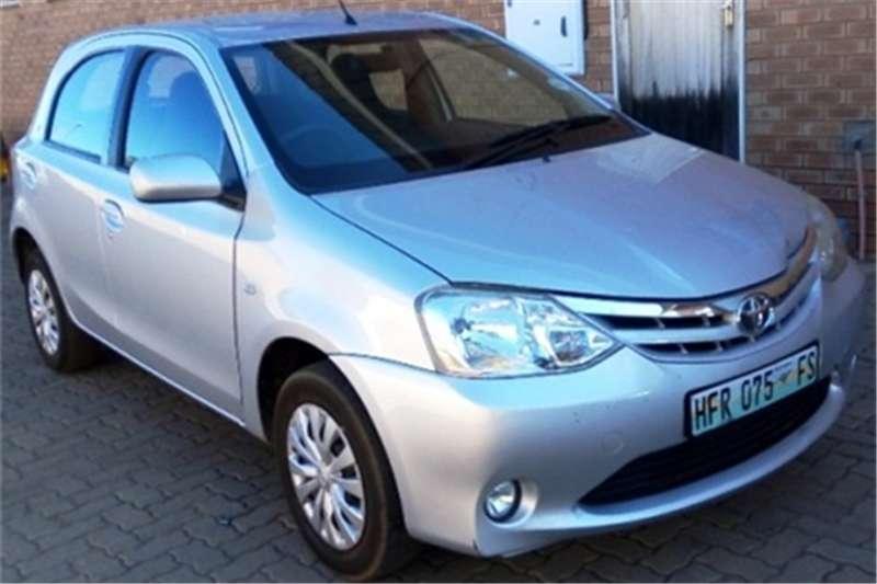 Toyota Etios hatch 1.5 Xi 2013