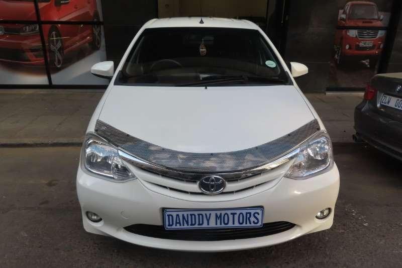 Toyota Etios hatch 1.5 Xi 2015