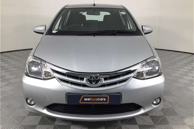 Toyota Etios hatch 1.5 Xi 2017