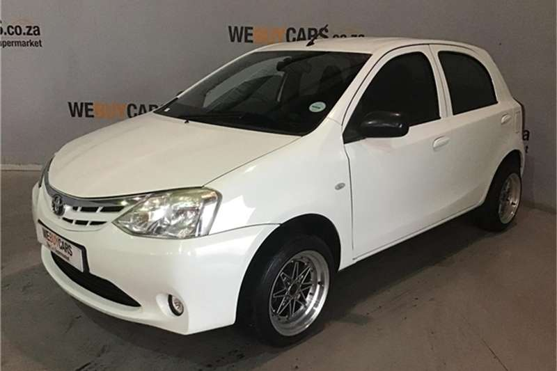 Toyota Etios hatch 1.5 Xs 2013