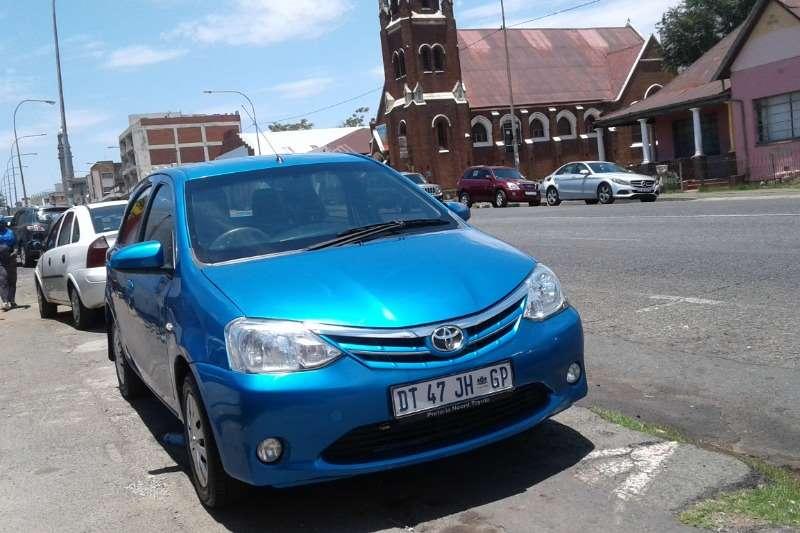 Toyota Etios hatch 1.5 Xs 2015