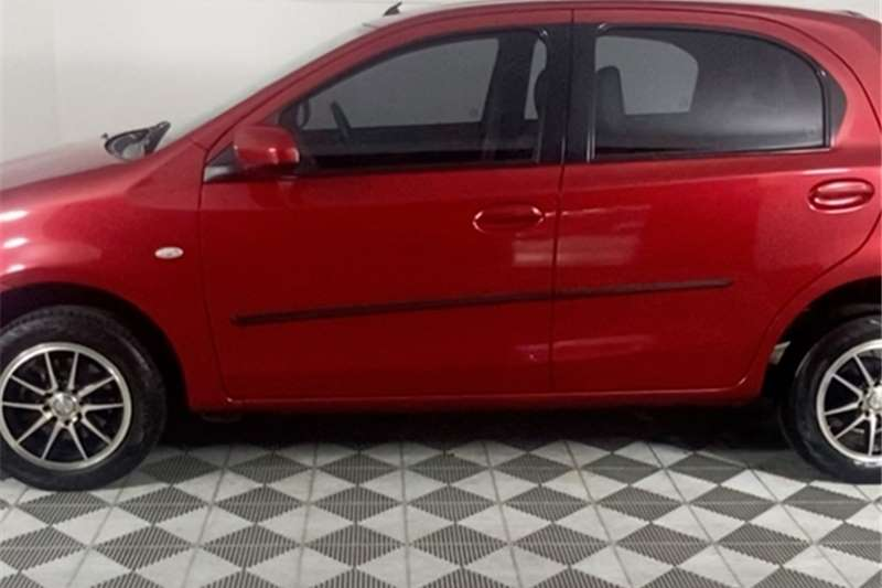 2015 Toyota Etios Etios hatch 1.5 Xs