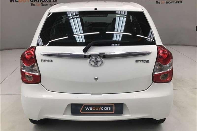Toyota Etios hatch 1.5 Xs 2016