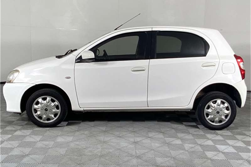 2016 Toyota Etios Etios hatch 1.5 Xs