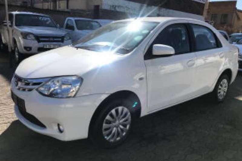 Toyota Etios hatch 1.5 Xs SEDAN 2015