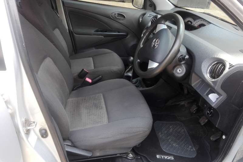 Toyota Etios sedan 1.5 Sprint 2012