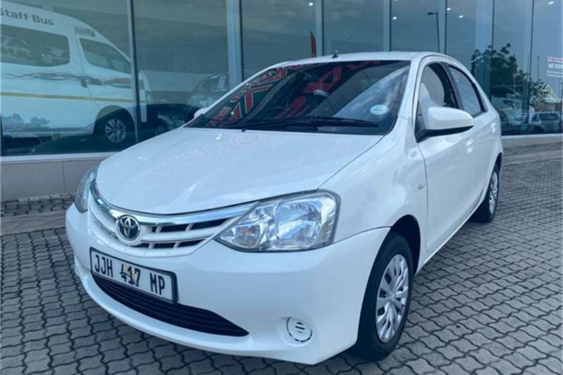 Toyota Etios sedan 1.5 Xi 2017