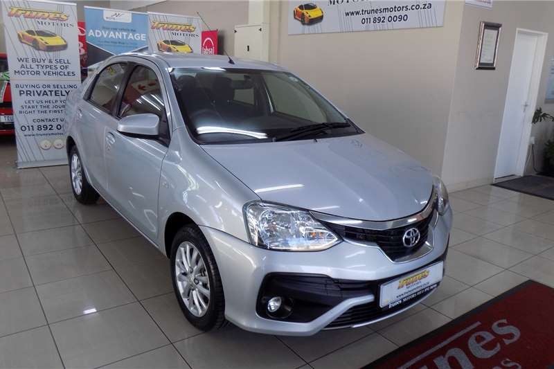 Toyota Etios sedan 1.5 Xs/Sprint Sedan 2017