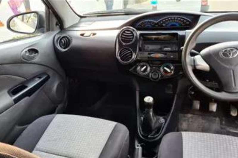 Toyota Etios Sedan ETIOS 1.5 Xi 2016