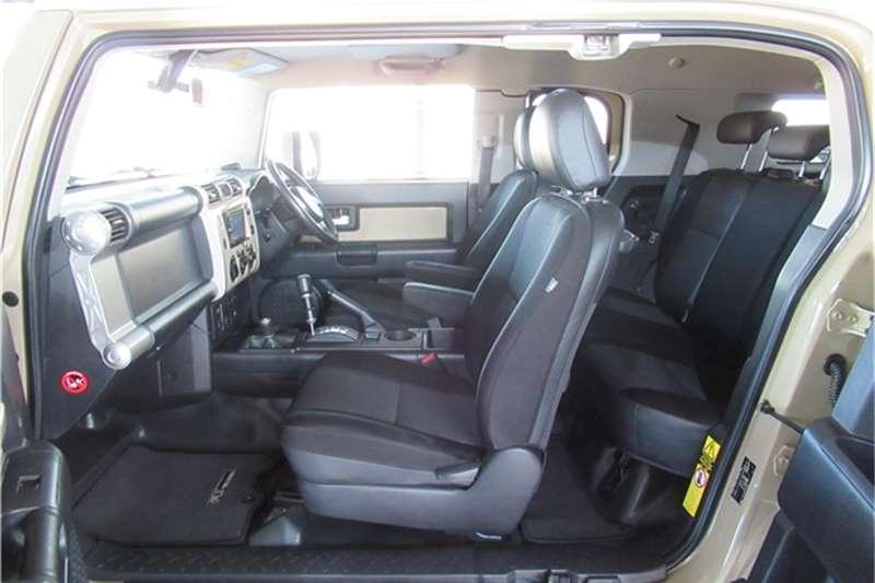 Toyota FJ Cruiser 2013