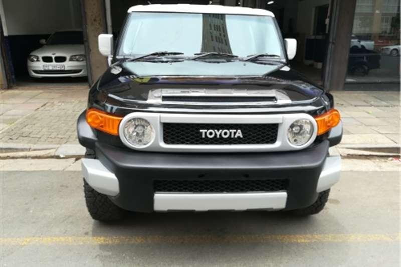 Toyota FJ Cruiser FJ Sport Cruiser 4x4 2012