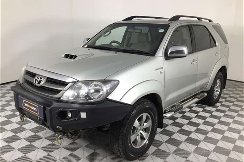 Toyota Fortuner 3.0D 4D 4x4 2008