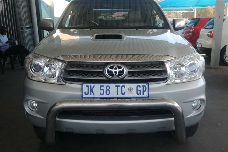 Toyota Fortuner 3.0D 4D 4x4 2010