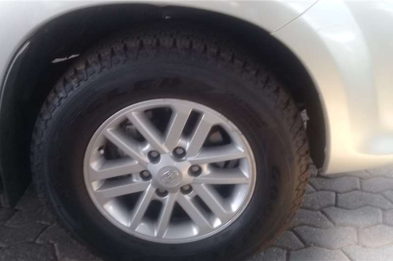Toyota Fortuner 3.0D 4D 4x4 2011