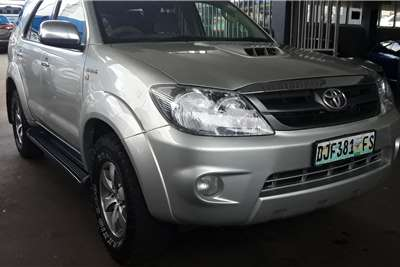 Toyota Fortuner 3.0D 4D 4x4 automatic 2007