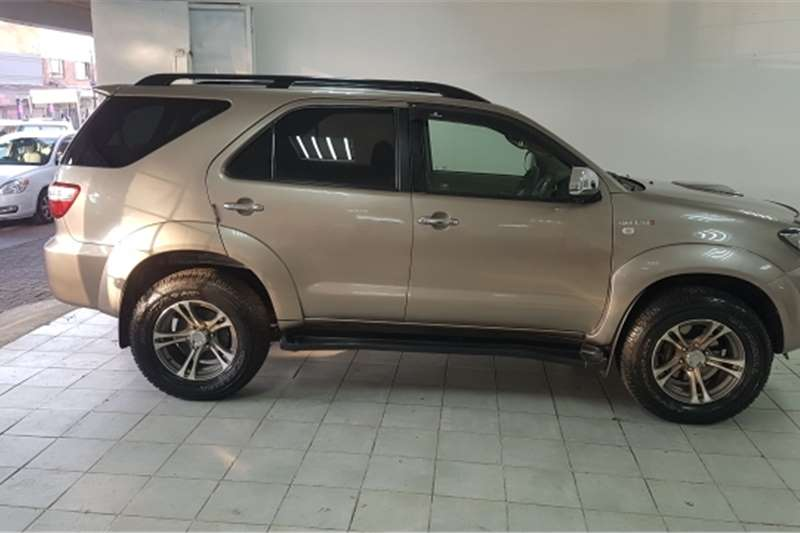 Toyota Fortuner 3.0D-4D 4x4 automatic 2010