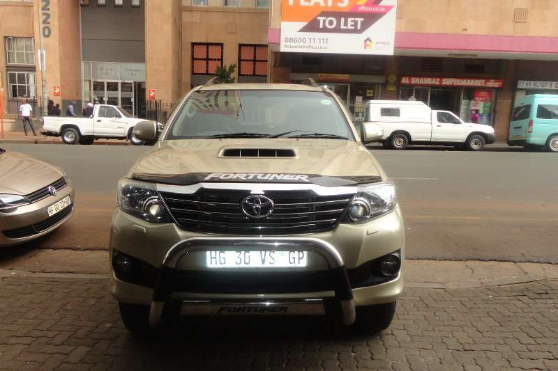 Toyota Fortuner 3.0D 4D 4x4 automatic 2013