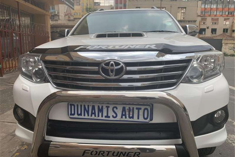 Toyota Fortuner 3.0D 4D 4x4 Heritage Edition 2013